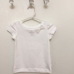 Other - Basic white short sleeve top🎀